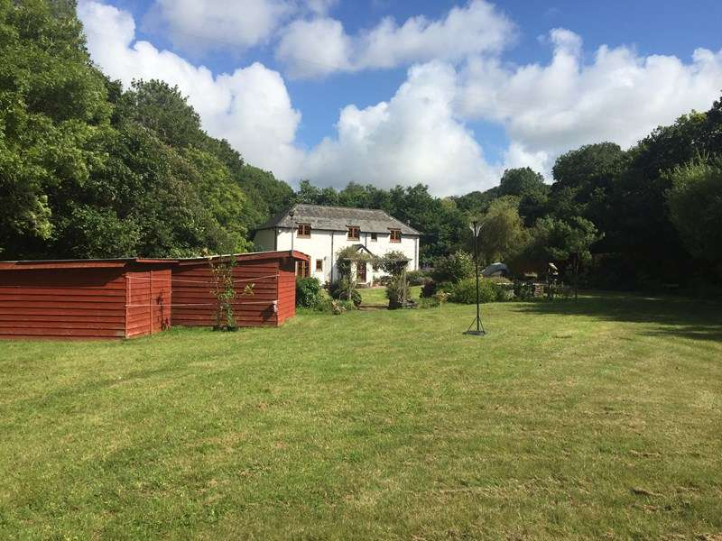 4 Bedrooms Detached House for sale in Trevellance Lane, Perranporth