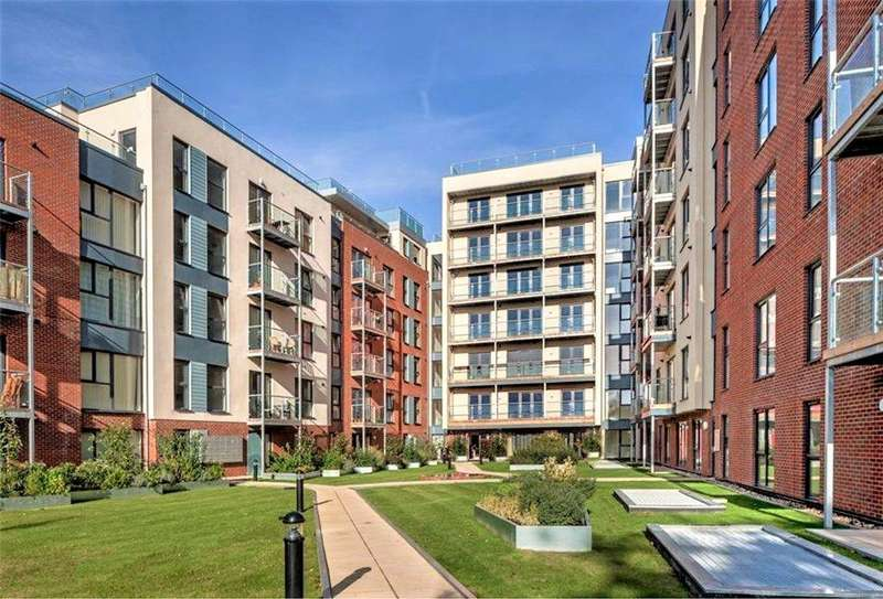 2 Bedrooms Flat for sale in Old Town, Hemel Hempstead