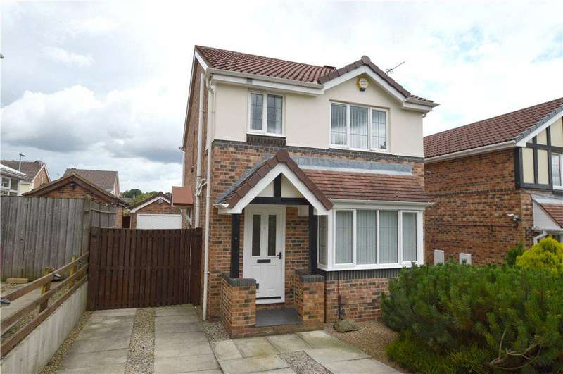 3 Bedrooms Detached House for sale in Camberley Way, Pudsey, West Yorkshire