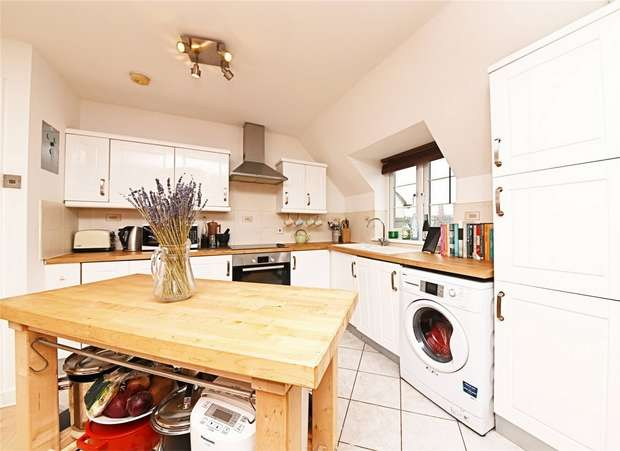 1 Bedroom Flat for sale in Garden Lodge Court, 18-22 Church Lane, East Finchley, N2