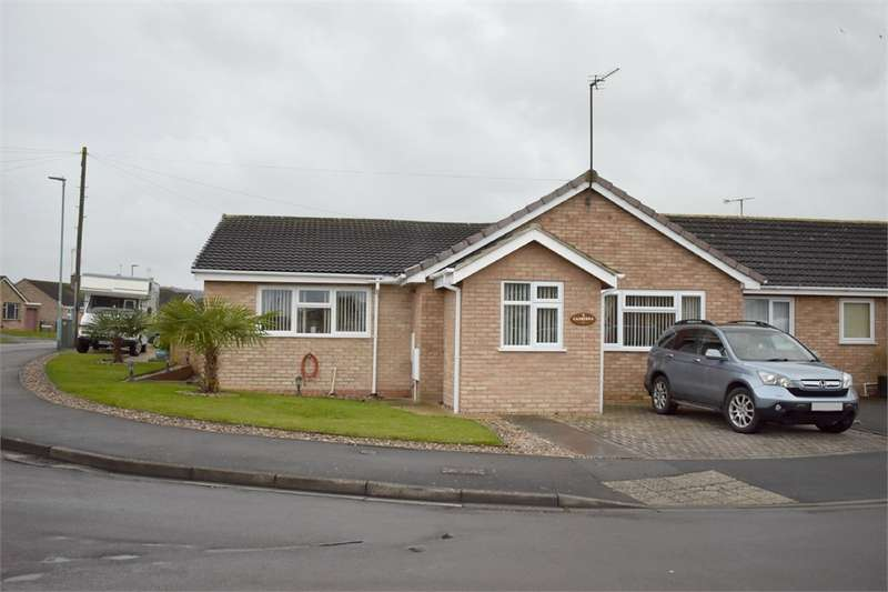 3 Bedrooms Semi Detached Bungalow for sale in 7 Canberra, Stonehouse, Gloucestershire