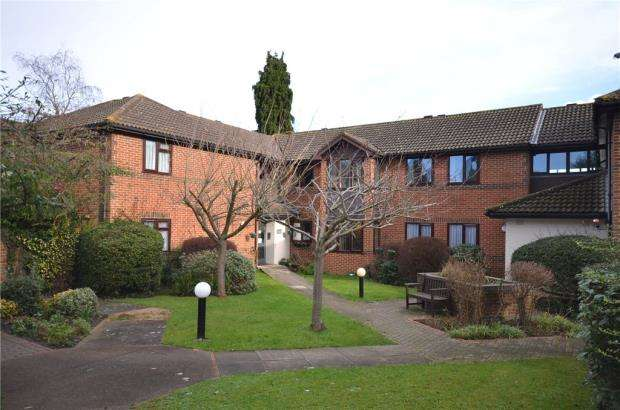 2 Bedrooms Retirement Property for sale in Huntsgreen Court, Bracknell, Berkshire