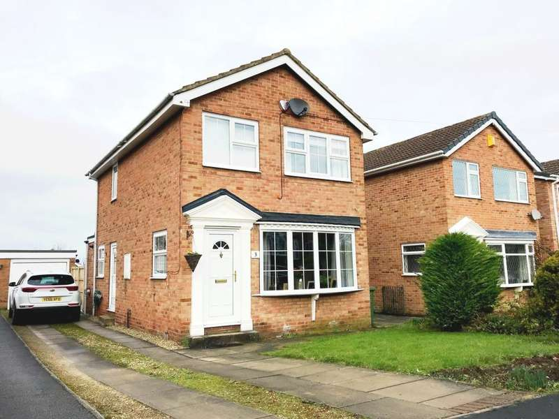 3 Bedrooms Detached House for sale in Wren Garth, Sandal, WF2