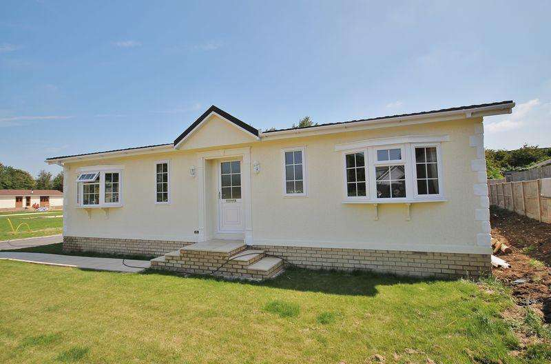 2 Bedrooms Park Home Mobile Home for sale in Avenue Road, Sandown