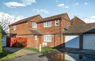 3 Bedrooms Detached House for sale in Dan Drive, Faversham