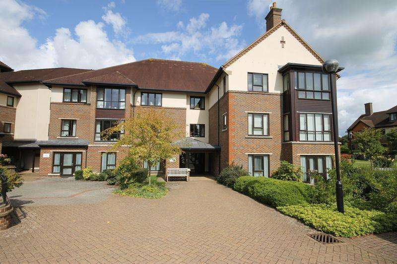 2 Bedrooms Retirement Property for sale in St Georges Park, Ditchling Road, Burgess Hill, West Sussex