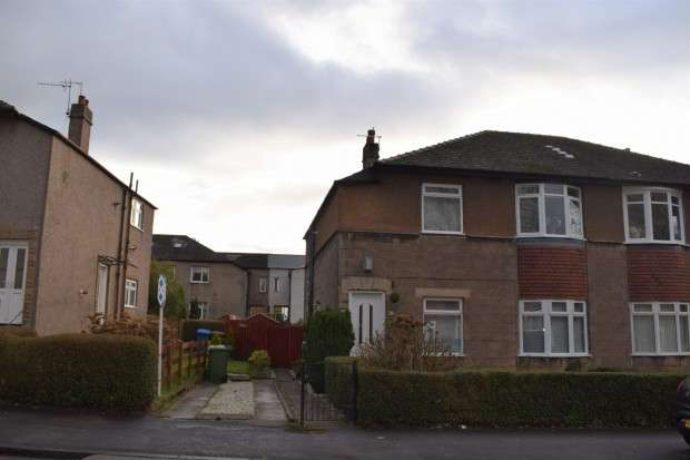 2 Bedrooms Flat for sale in 269 Talla Road, Hillington, G52