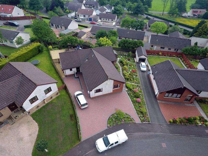 4 Bedrooms Detached Bungalow for sale in Glen Rosa, 33 Hoyle Crescent, Cumnock KA18 1RX