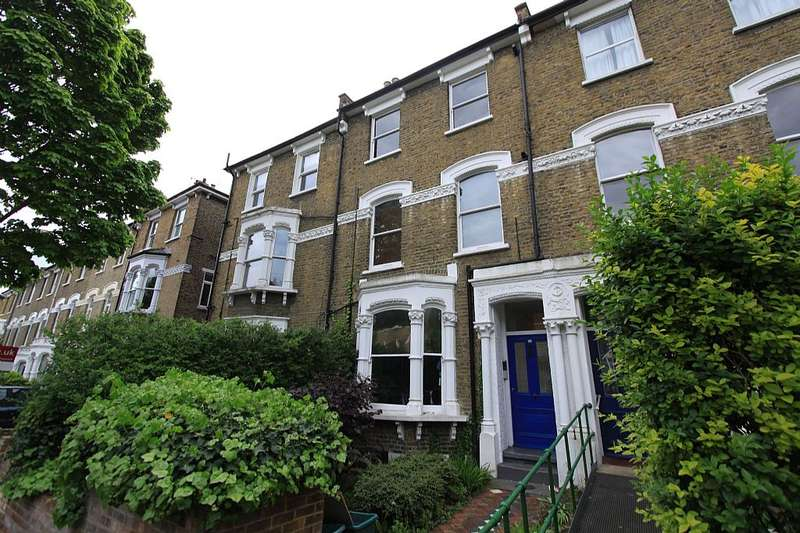 3 Bedrooms Apartment Flat for sale in Freegrove Road, London, London, N7
