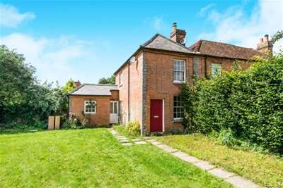 2 Bedrooms Cottage House for rent in Wootton St.Lawrence, RG23