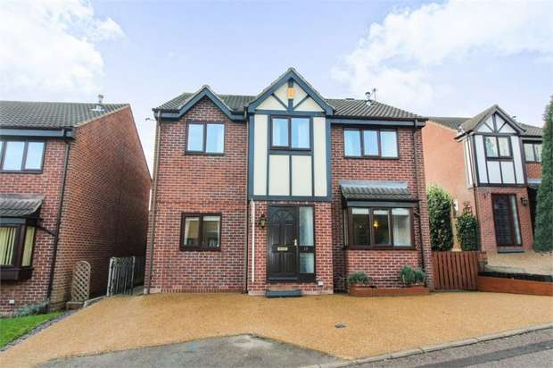 4 Bedrooms Detached House for sale in Hopewell Way, Crigglestone, Wakefield, West Yorkshire