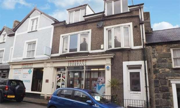 3 Bedrooms Terraced House for sale in High Street, Harlech, Gwynedd