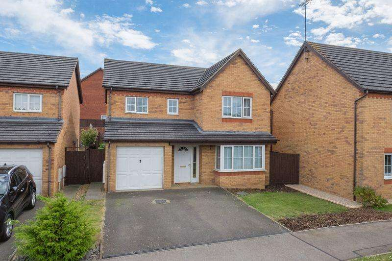4 Bedrooms Detached House for sale in Windermere Drive, Higham Ferrers
