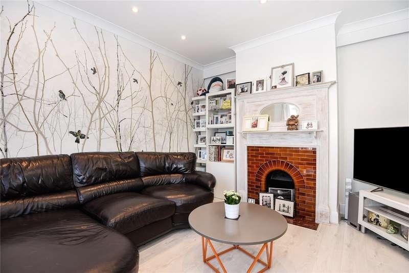 3 Bedrooms Semi Detached House for sale in Hagden Lane, Watford, Hertfordshire, WD18