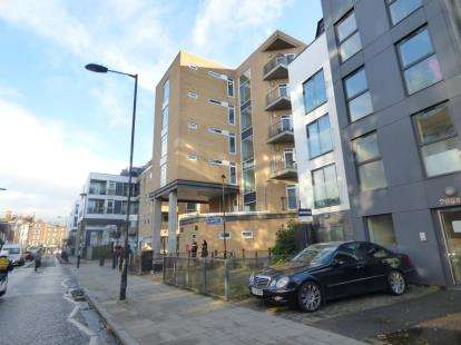1 Bedroom Flat for sale in Richmond Road, London, Uk