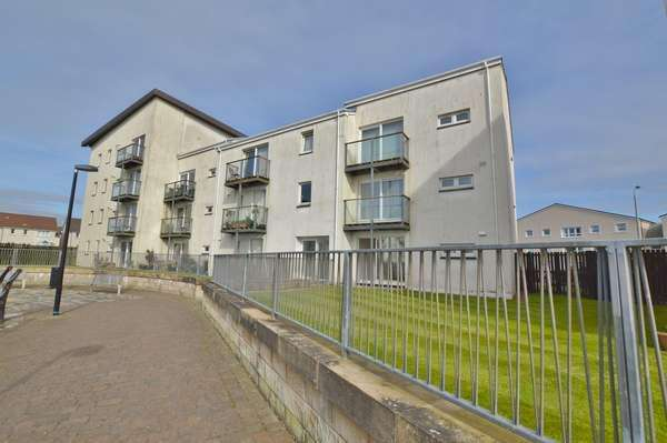 2 Bedrooms Flat for sale in 85 Mariners View, Ardrossan, KA22 8BH