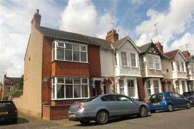 3 Bedrooms Property for rent in Garrick Road, Northampton, NN1