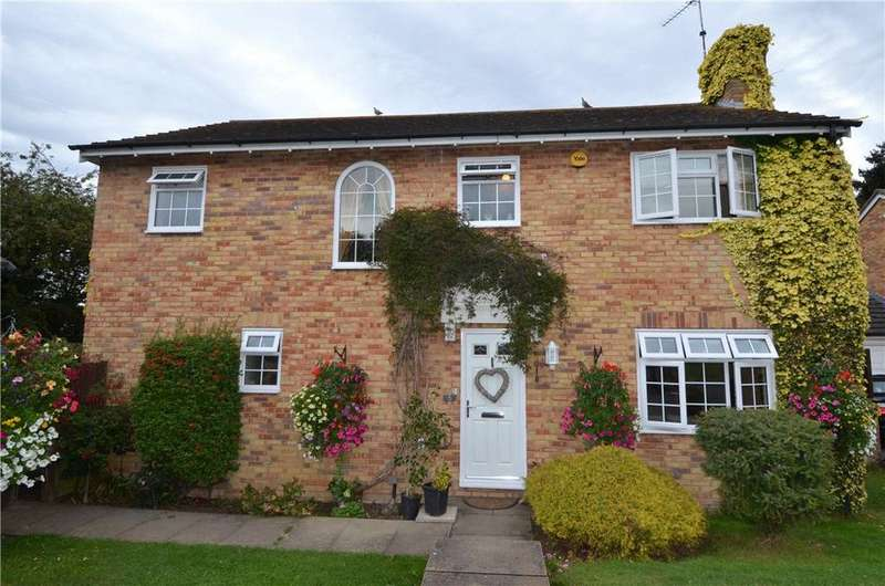 4 Bedrooms Detached House for sale in Upper Hook, Harlow, Essex, CM18