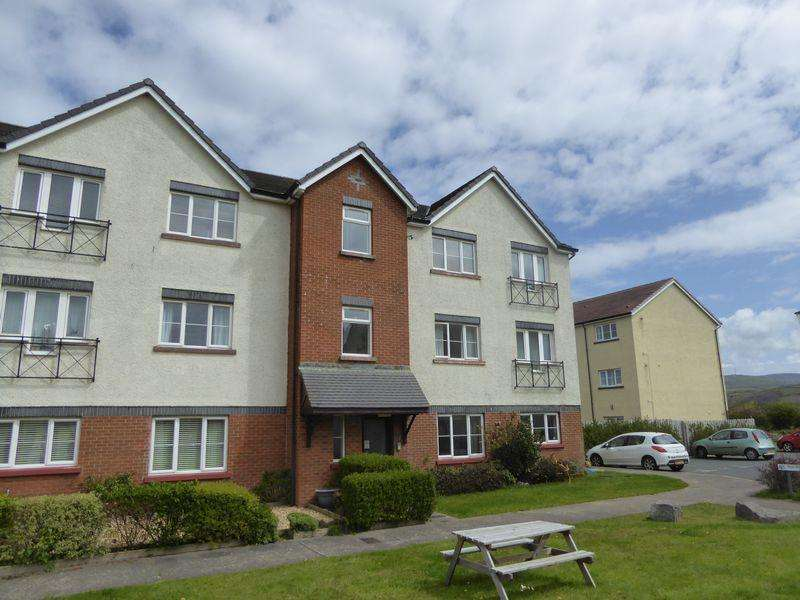 2 Bedrooms Apartment Flat for sale in 10 Cronk Lheanag, Peel