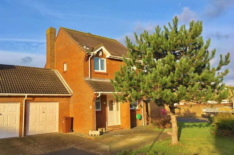 3 Bedrooms Detached House for sale in Blakes Way, Eastbourne, BN23