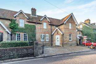 3 Bedrooms Semi Detached House for sale in Dean Street, East Farleigh, Maidstone, Kent