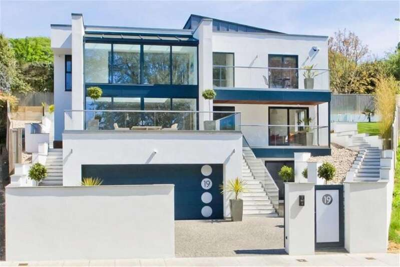 6 Bedrooms House for sale in Goldstone Crescent, Hove