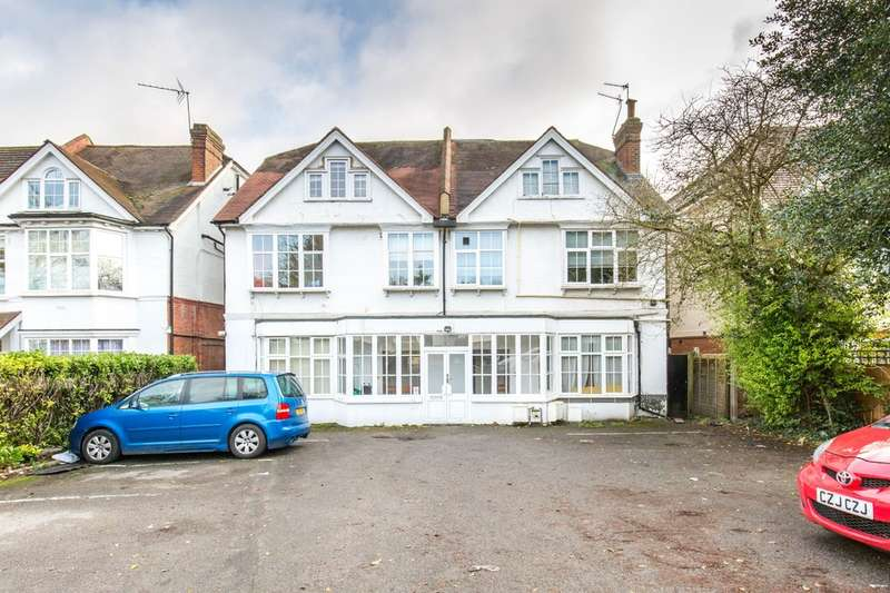 2 Bedrooms Flat for sale in Brighton Road, Purley, CR8 4HE