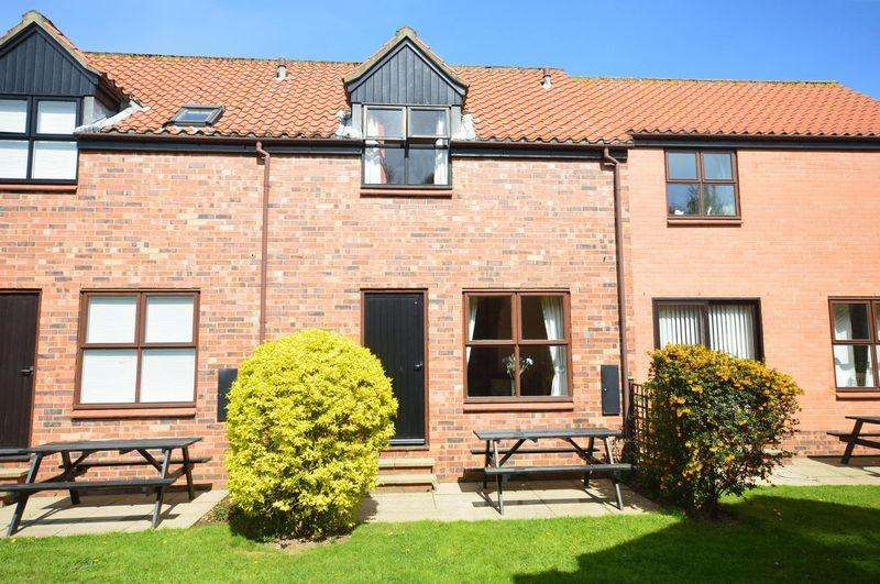 2 Bedrooms Cottage House for sale in Captain Cooks Haven, Nr Whitby