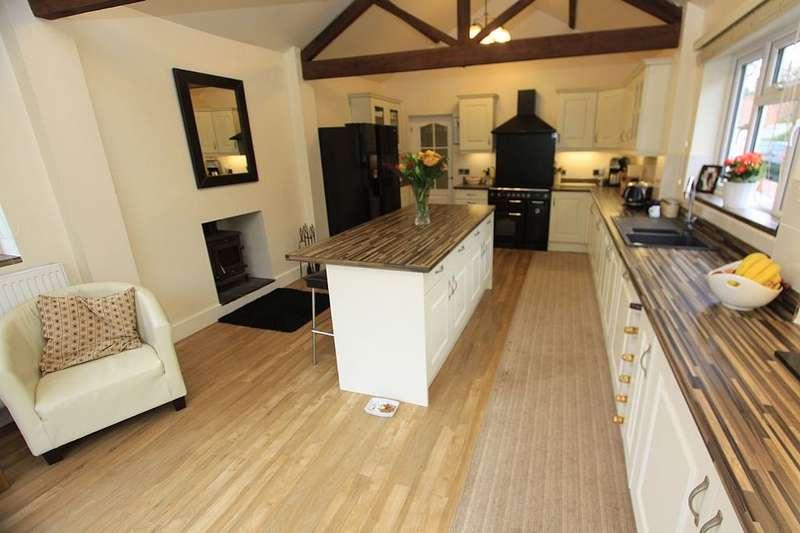 6 Bedrooms Detached House for sale in Hillside Cottage, Barton Lane, Thrumpton, Nottingham, Nottinghamshire, NG11