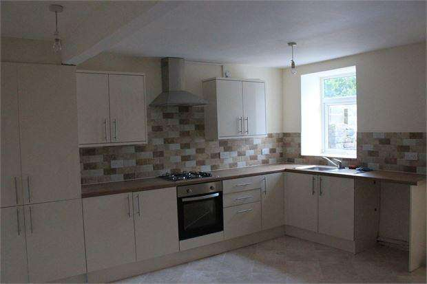 3 Bedrooms Terraced House for sale in Brithweunydd, Trealaw, Tonypandy, Rhondda Cynon Taff. CF40 2PB