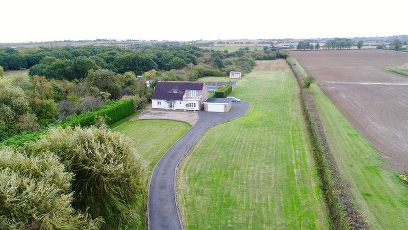 3 Bedrooms Detached House for sale in Steeple Road, Mayland
