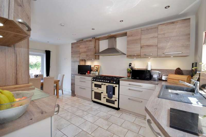 4 Bedrooms Semi Detached House for sale in Westwell, TN26