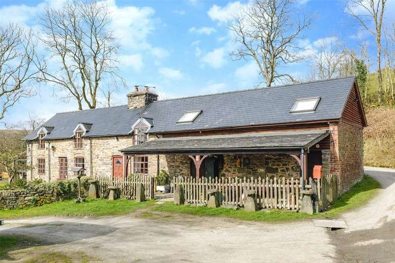 5 Bedrooms Detached House for sale in Carno, Caersws, Powys