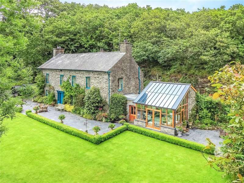 4 Bedrooms Detached House for sale in Rhydyfelin, Aberystwyth, Sir Ceredigion