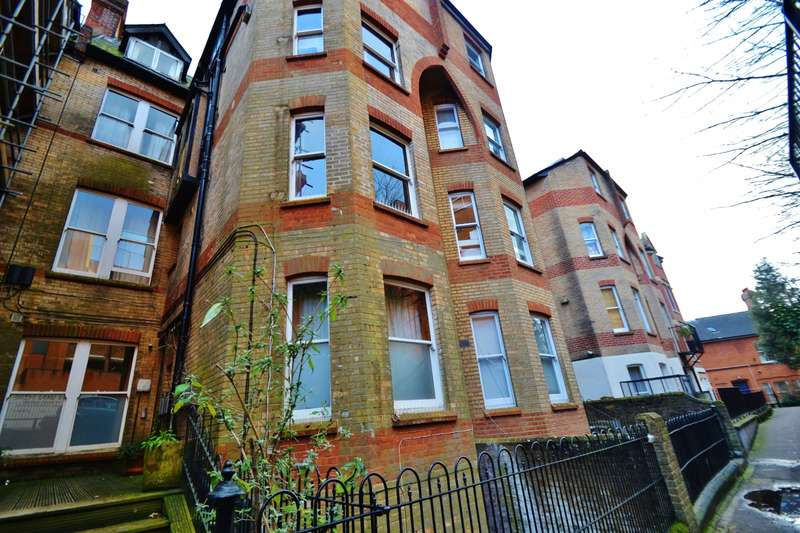 2 Bedrooms Flat for sale in Bournemouth Centre