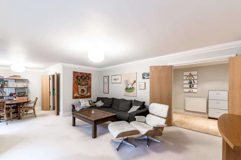 2 Bedrooms Flat for sale in Drayton Gardens, South Kensington, SW10