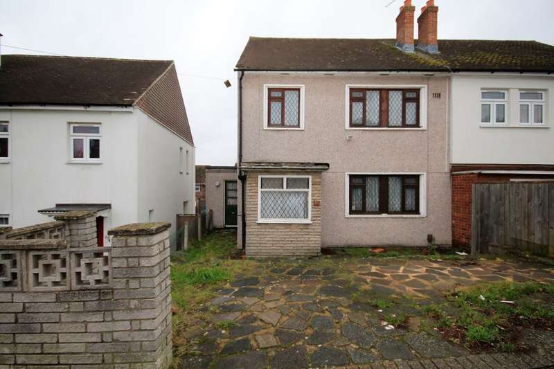 3 Bedrooms Semi Detached House for sale in Wigton Road, Romford, RM3