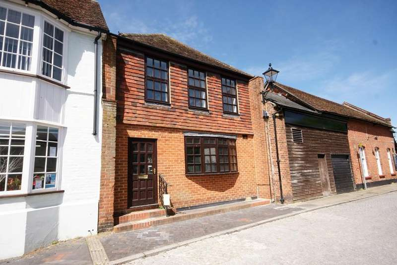 1 Bedroom Apartment Flat for sale in Cross Pillory Lane, ALTON, Hampshire