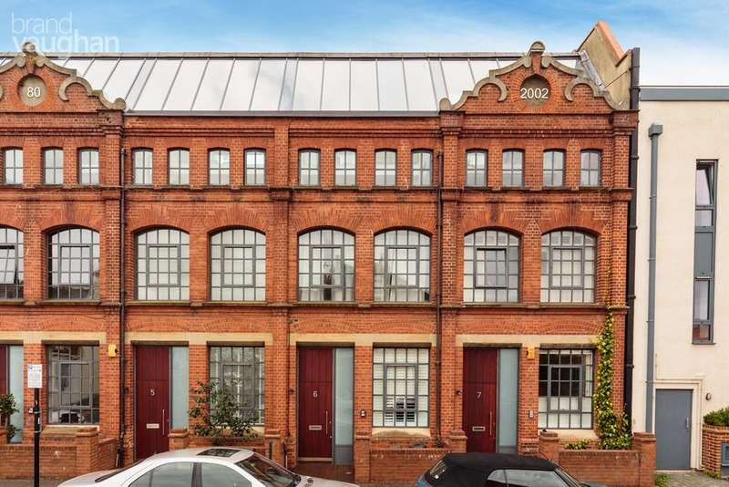 3 Bedrooms Town House for sale in Stoneham Road, Hove, BN3