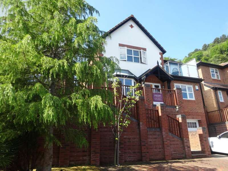 4 Bedrooms Detached House for sale in Lon Y Berllan, Abergele