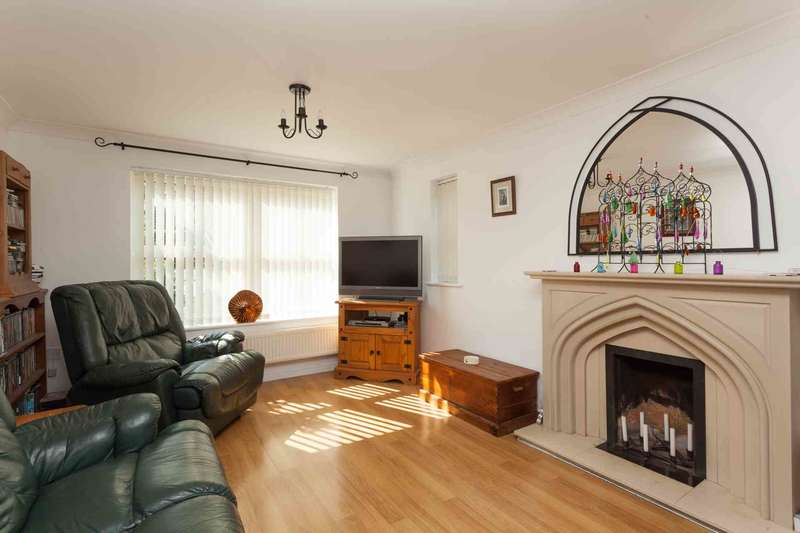 4 Bedrooms Detached House for rent in Turners Close Southwater
