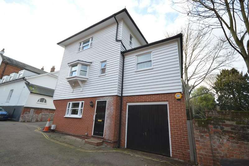 3 Bedrooms Town House for sale in Belgrave Place, East Hill