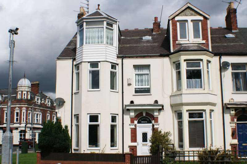 5 Bedrooms Terraced House for sale in Waterloo Road, Blyth, Northumberland, NE24