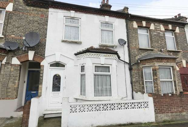 3 Bedrooms Terraced House for sale in Louise Road, London