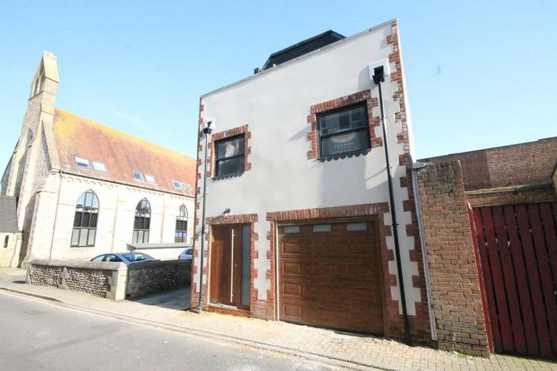 3 Bedrooms Detached House for sale in Ship Street, Shoreham-by-Sea, BN43 5DH
