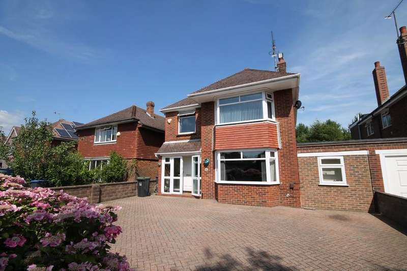 3 Bedrooms Detached House for sale in The Boulevard, Worthing BN13 1LA