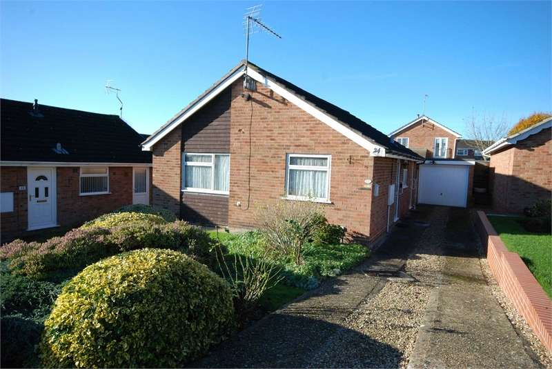 2 Bedrooms Detached Bungalow for sale in Rydal Close, RUGBY, Warwickshire