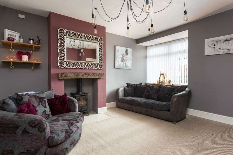 2 Bedrooms Property for sale in Tang Hall Lane, York, YO31