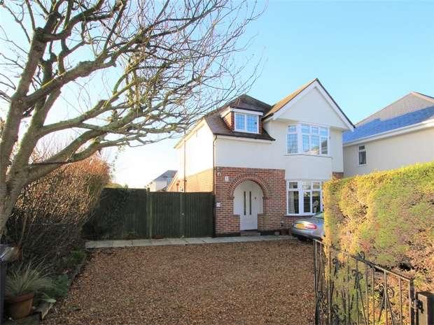 3 Bedrooms Detached House for sale in Dorchester Road, Oakdale, POOLE, Dorset