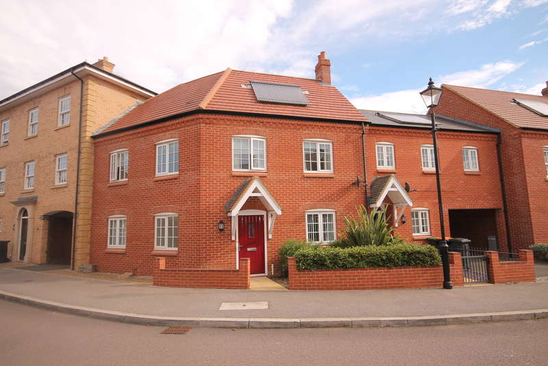 4 Bedrooms Terraced House for sale in Wayland Road, Great Denham, MK40